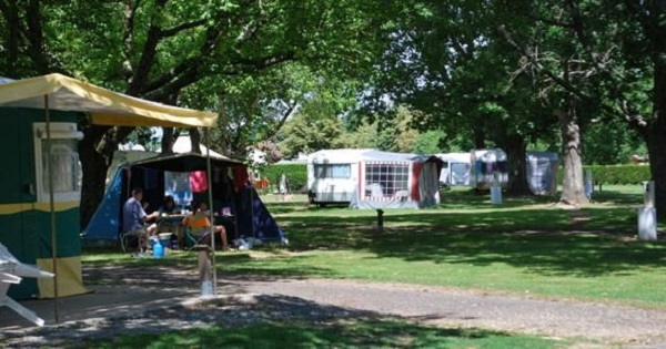 Location camping grand Châtellerault 86
